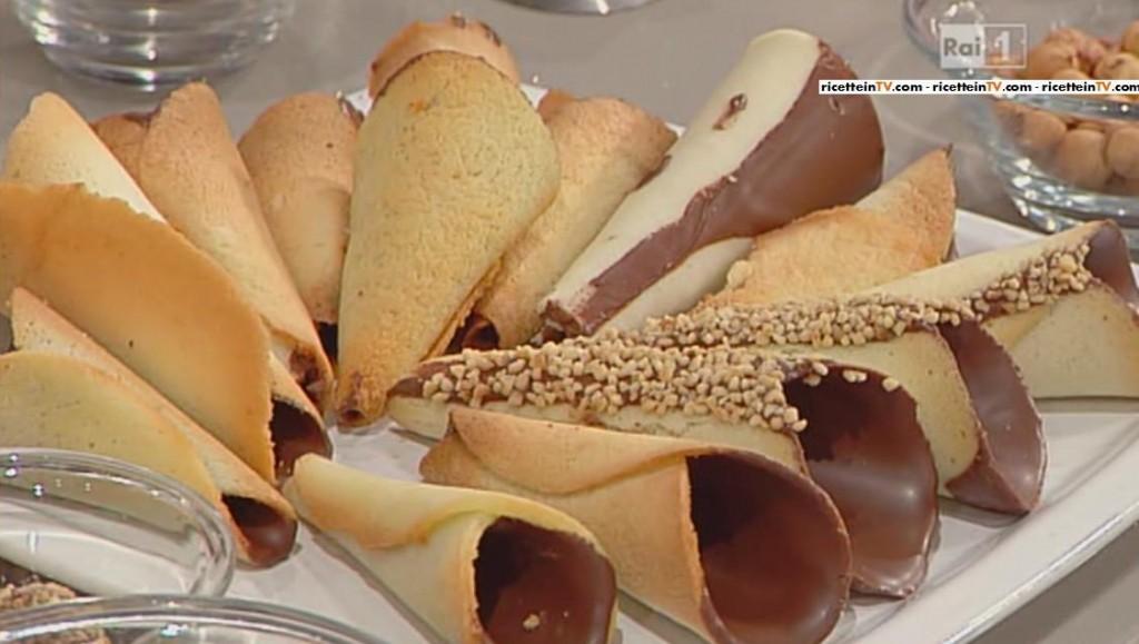 Le ricette della prova del cuoco cono dolce di carnevale for Ricette dolci di carnevale