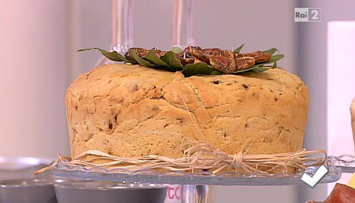 ciambella di pane ai fichi