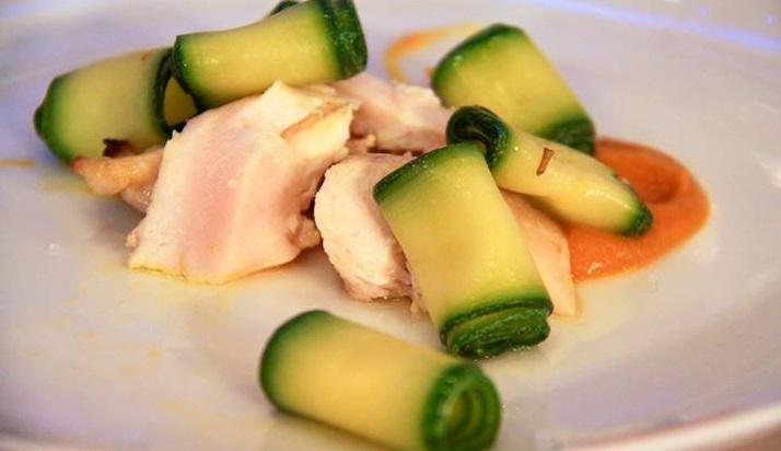 petto di pollo con zucchine e purè di carote