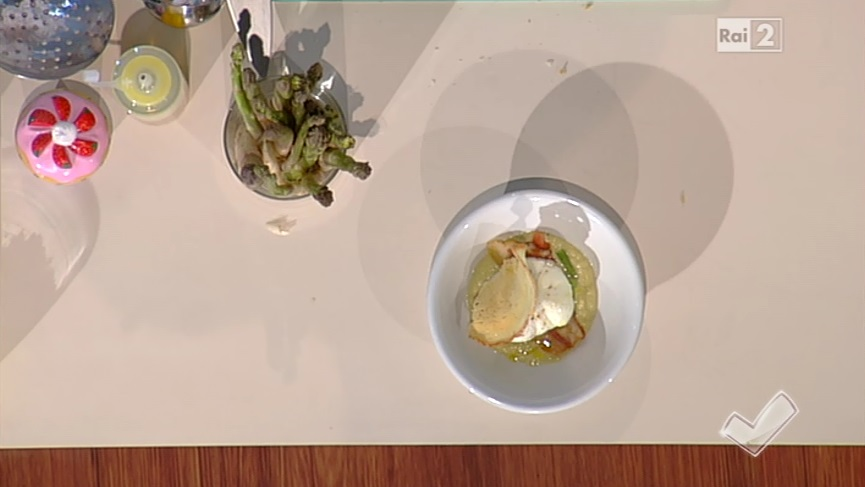 uovo ripieno con pecorino