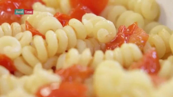 pasta con pomodorini al forno