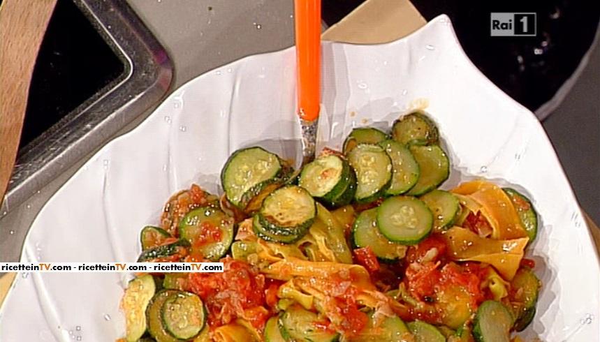 pappardelle variegate con le zucchine