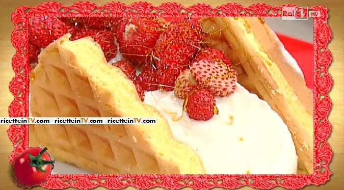 torta di scarpelle con crema di mascarpone e fragoline