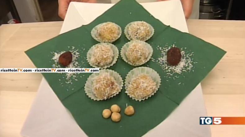dolcetti di cous cous al cocco