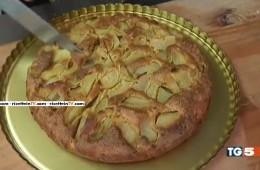 torta di Pasqua amaretti e pere