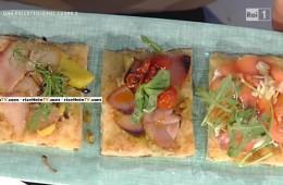 trittico di pizza con pesce affumicato