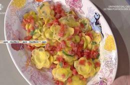 fiori di rucola e robiola con concassè di pomodori di Alessandra Spisni