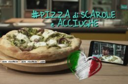 pizza di scarola e acciughe