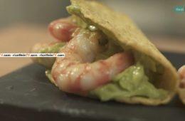 tacos con salsa maiocado