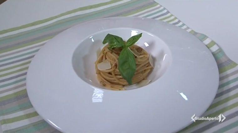 Cotto E Mangiato Ricetta Spaghetti Al Pesto Di Pomodori Secchi E Noci