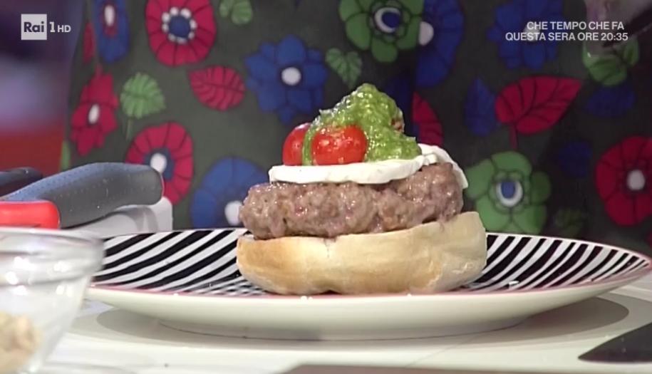 Domenica in ricetta hamburger all 39 italiana di benedetta for Mozzarella in carrozza parodi
