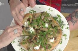 pizza con funghi e salsiccia di Gabriele Bonci