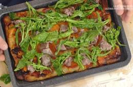 https://www.ricetteintv.com/pizza-patate-dolci-broccoletti-e-cotechino-di-gabriele-bonci/