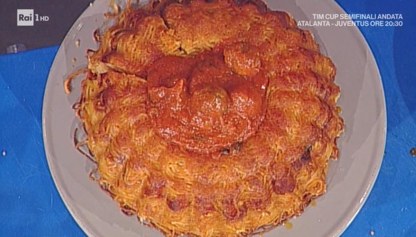 torta di spaghetti e polpettine al sugo di Andrea Mainardi