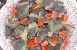 ravioli neri con patate tonno e burro ai capperi di Alessandra Spisni