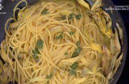 spaghetti al pesto con carciofi e zafferano di Claudio Silvestri
