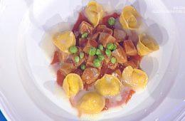 stracotto di tonno e piselli con tortelli al pecorino di Gianfranco Pascucci