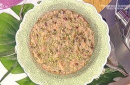torta al limone con crosta croccante di pistacchi