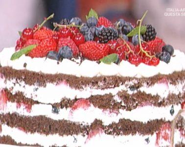 torta in padella foresta nera con frutti di bosco di Natalia Cattelani