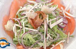 insalata di salmone funghi pane fritto e pancetta