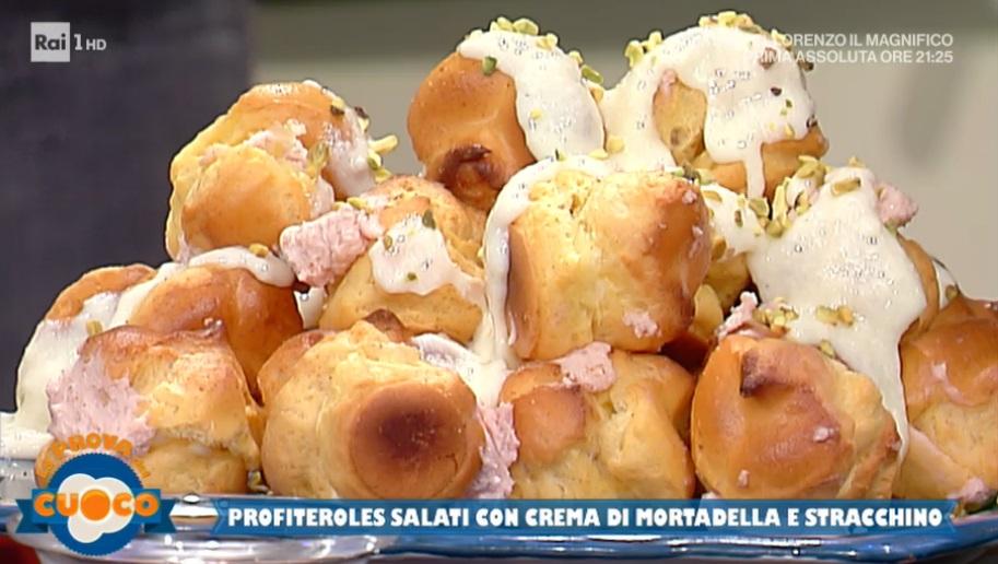 profiteroles salati con crema di mortadella e stracchino di Clara Zani