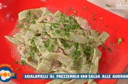 scialatielli al prezzemolo con salsa alle acciughe di Anna Maria Palma