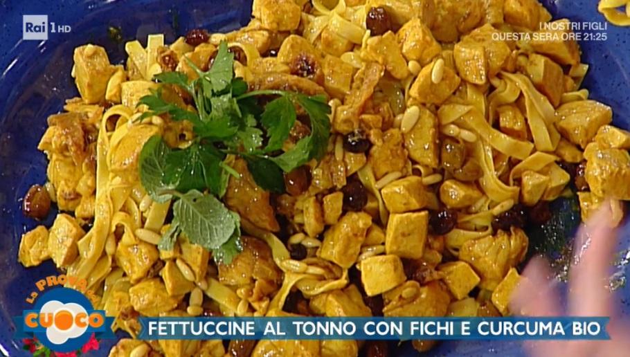 fettuccine al tonno con fichi e curcuma di Diego Bongiovanni
