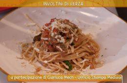 spaghetti alla fine del mondo e involtini di verza