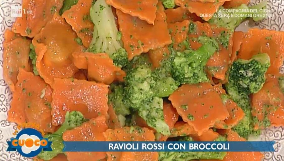 ravioli rossi con broccoli e gorgonzola di Alessandra Spisni