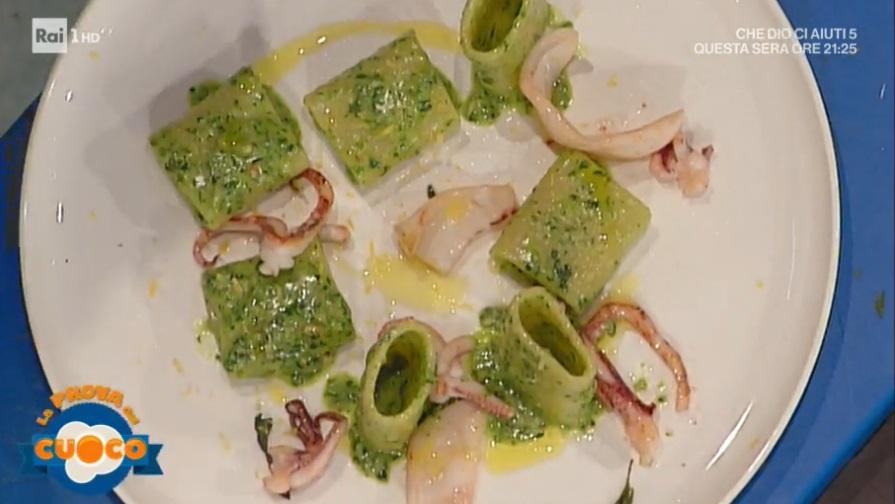 paccheri al pesto di nocciole con calamari di Tommaso Arrigoni
