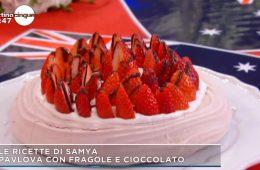 torta pavlova con fragole e cioccolato di Samya