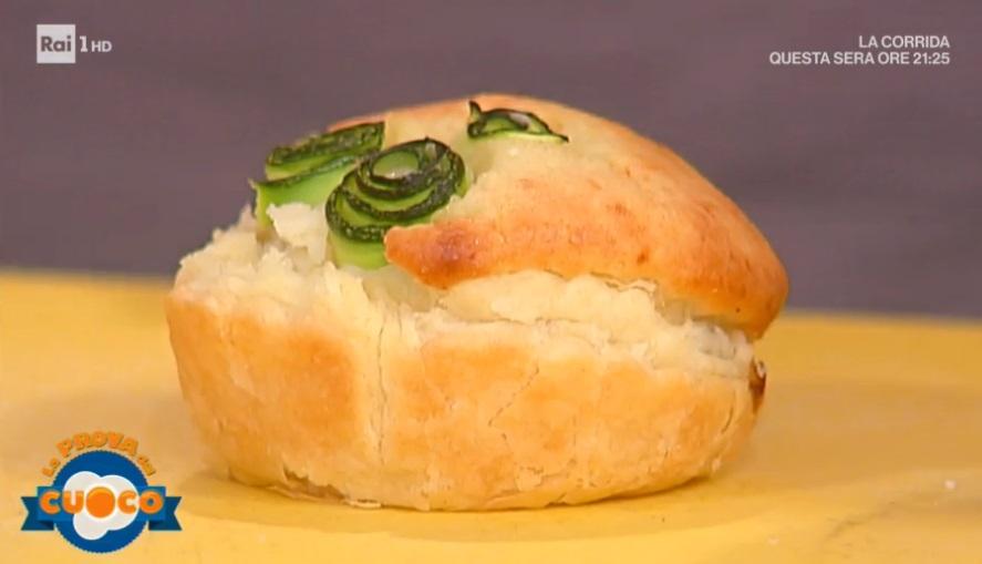 torta ripiena di zucchine praga e asiago