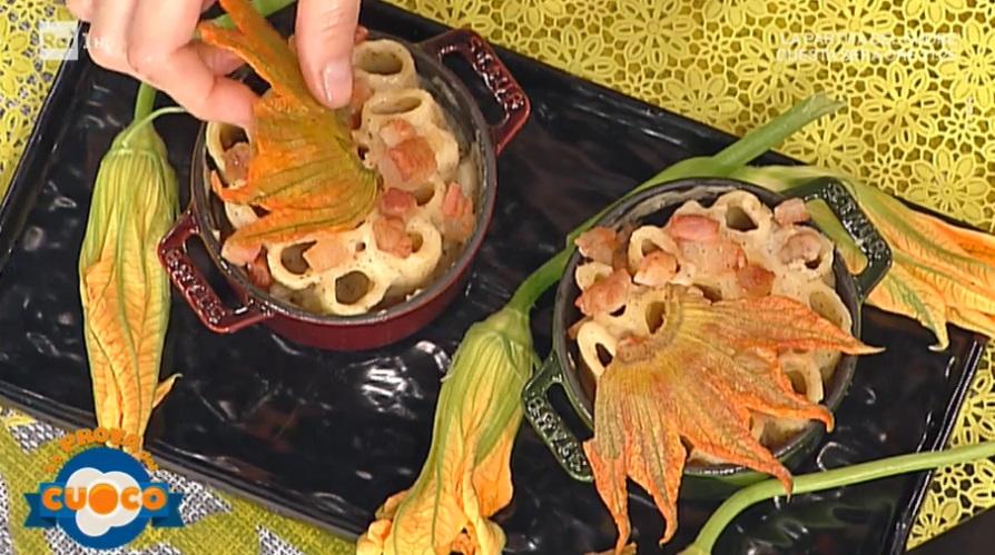 rigatoni cacio e pepe con guanciale e fiore di zucca di Erny Lombardo