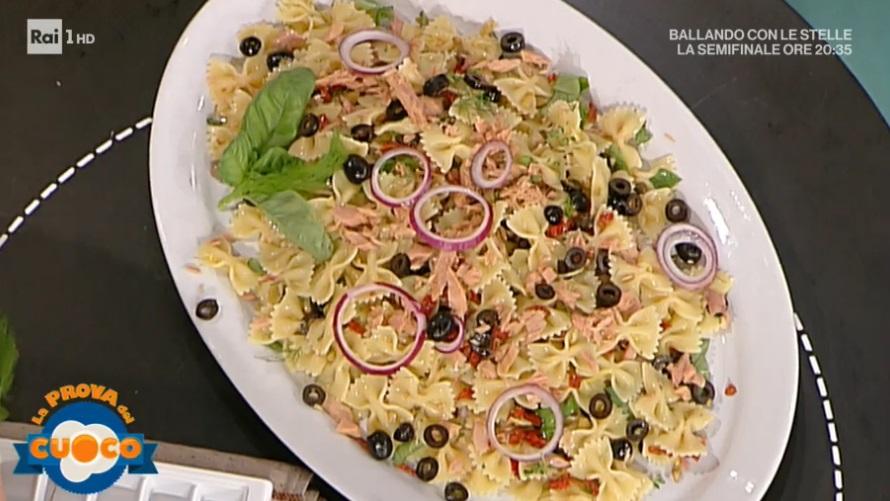 farfalle con tonno olive e capperi di Luisanna Messeri