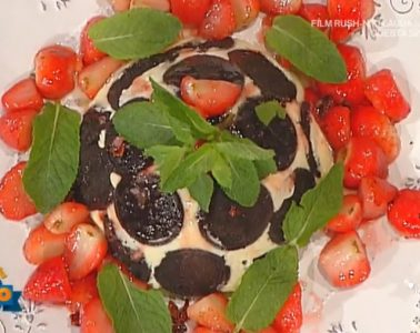 zuccotto di biscotti cioccolato e fragole di Diego Bongiovanni