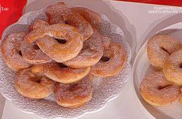 ciambelle dolci di patate di Sal De Riso