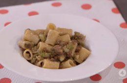 mezze maniche con broccoli e salsicce di Anna Moroni