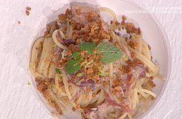 spaghetti tonno capperi e cipolla di Natale Giunta