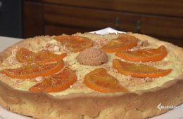 crostata con amaretti e crema all'arancia