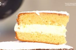 torta al latte caldo farcita di Natalia Cattelani