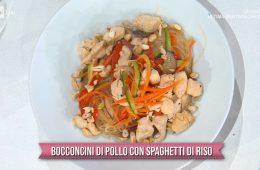 bocconcini di pollo con spaghetti di riso di Francesca Marsetti
