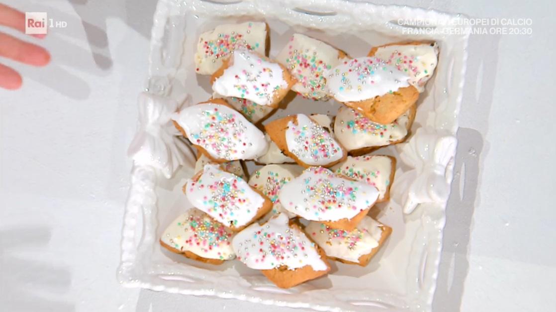 papassini alle mandorle (biscotti sardi) di Michele Farru