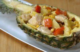 insalata di pollo all'ananas