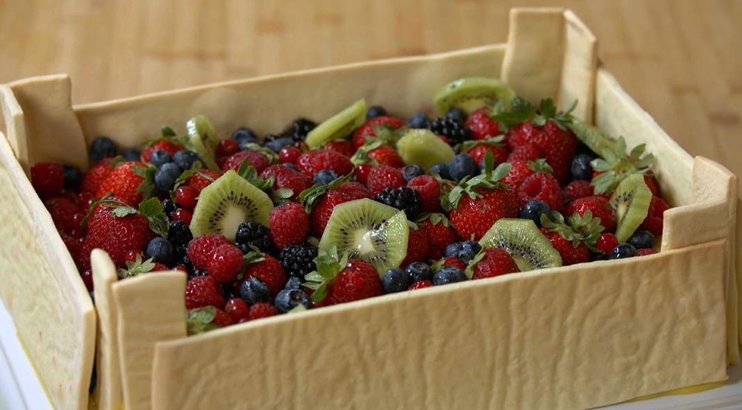 cassetta di frolla con frutta